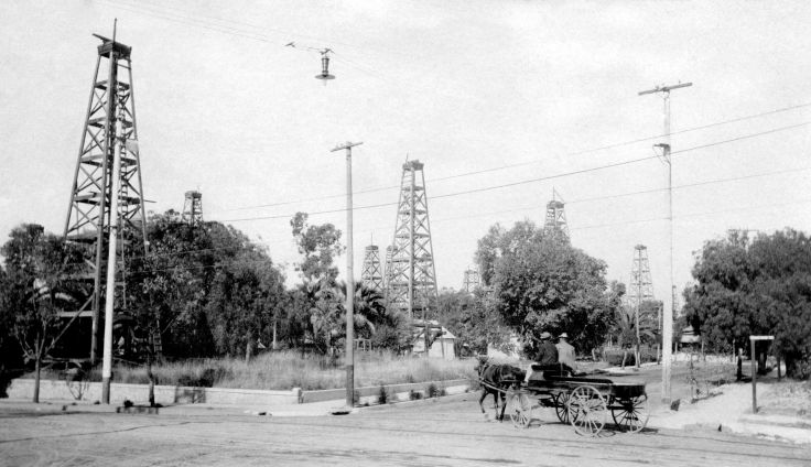 RPPC Los Angeles Oil Wells 2010.364.1.1