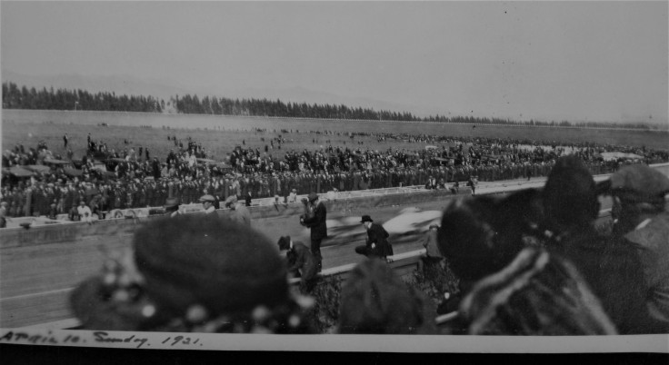 cars-zoom-by-1921-la-auto-race