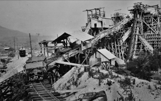 irwindale-sand-gravel-plant-w-streetcar-1929