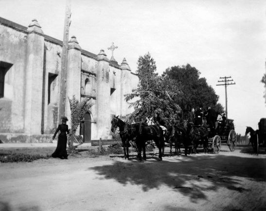 Stagecoach In Front Of Mission San Gabriel 2004.6.3.2