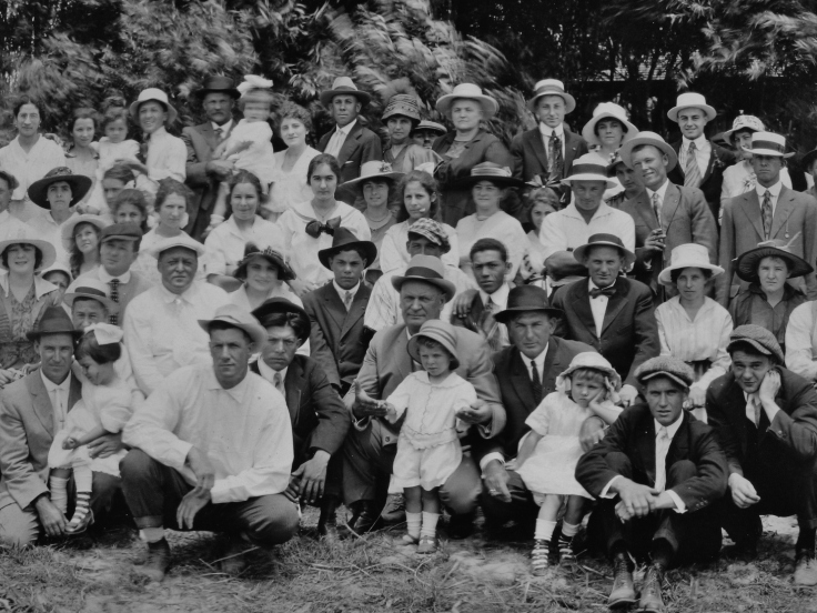 Kauffman & others Temple barbeque 1917