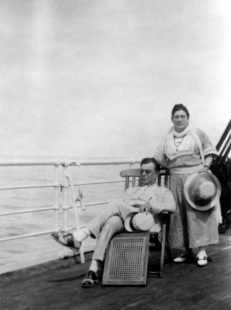 Laura And Walter P Temple On Ship To Mexico 99.5.32.694