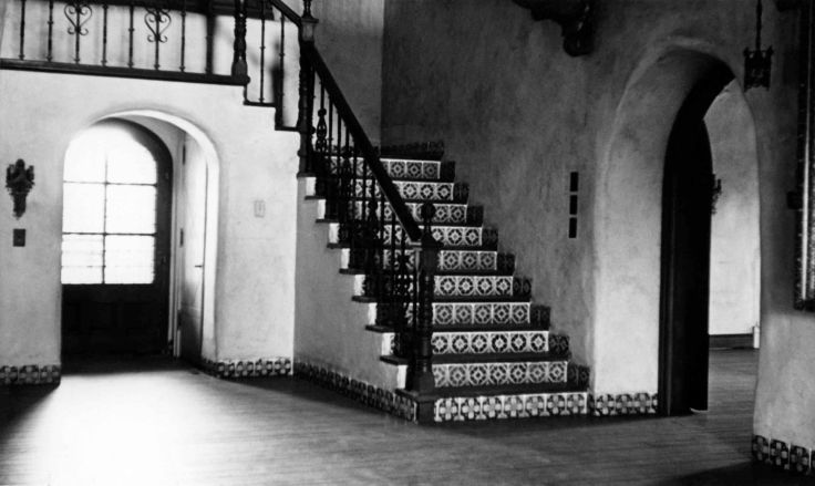 La Casa Nueva Main Hall Stairs First Floor View 99.5.29.635