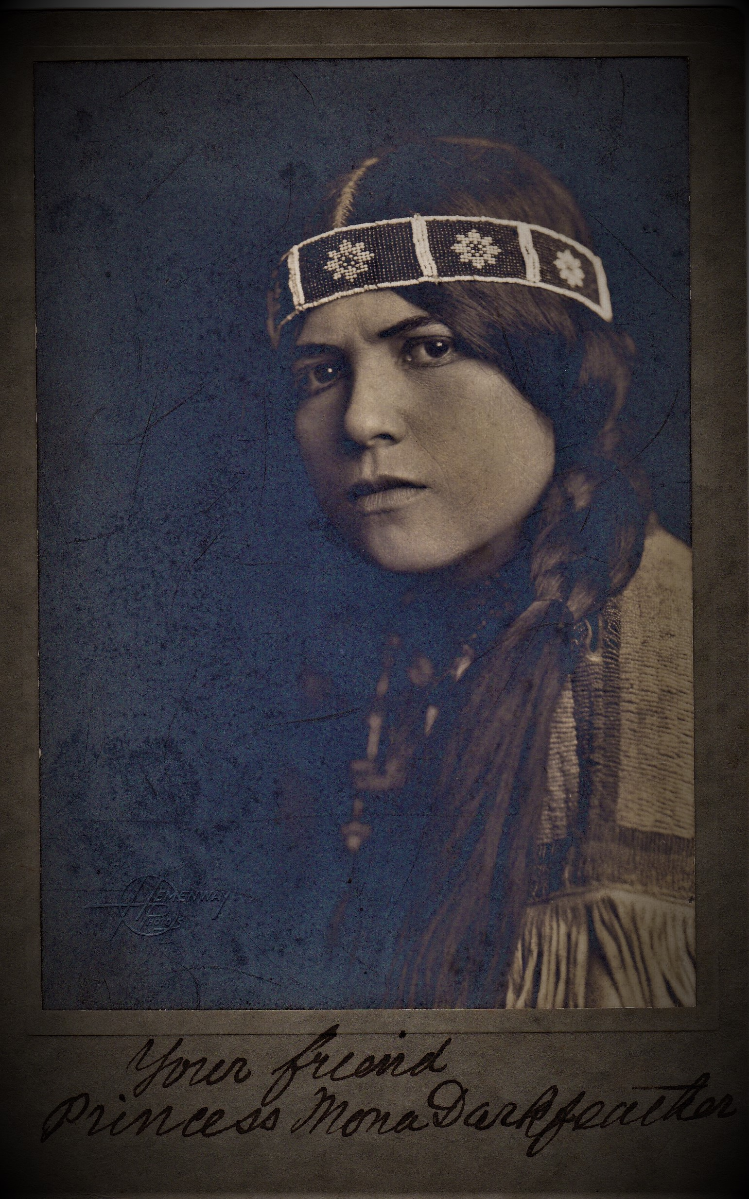 Mona Darkfeather
