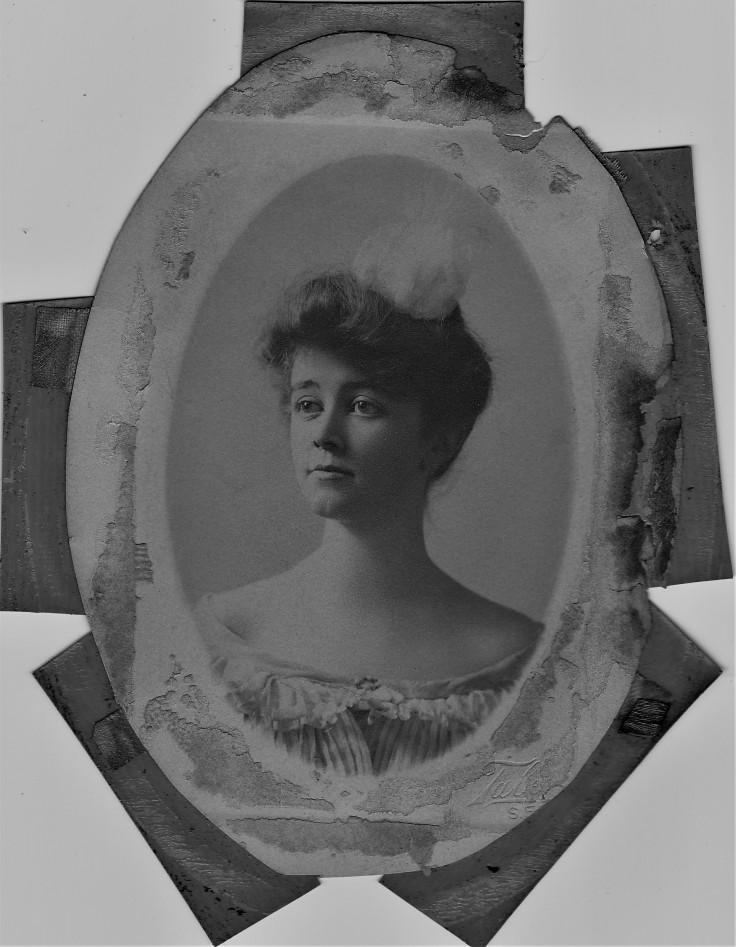 Elizabeth Gowan Dec 1901